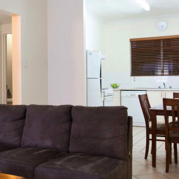 Продать квартиру с долгами: как это сделать