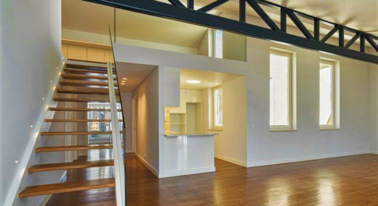 Двухуровневые квартиры: нестандартный формат, достойный переплаты