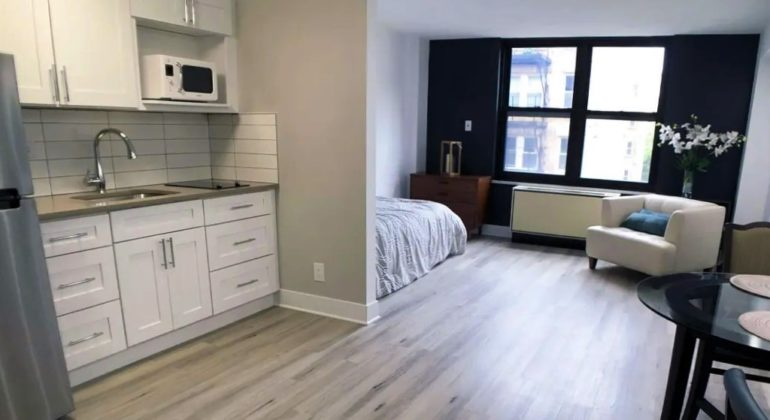 Продать квартиру-студию: кому и как это можно сделать?
